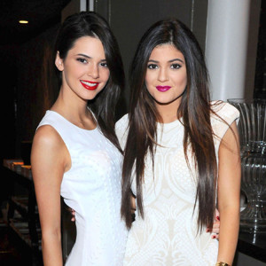 210096-kendall-and-kylie-jenner