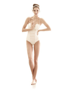 Kendall-Jenner-at-Photoshoot-for-White-Sands-Swimsuit-11