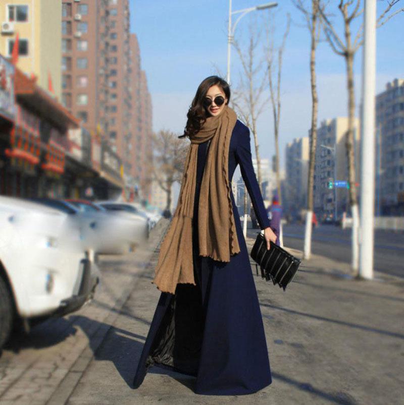 Пальто в пол с длинным шарфом