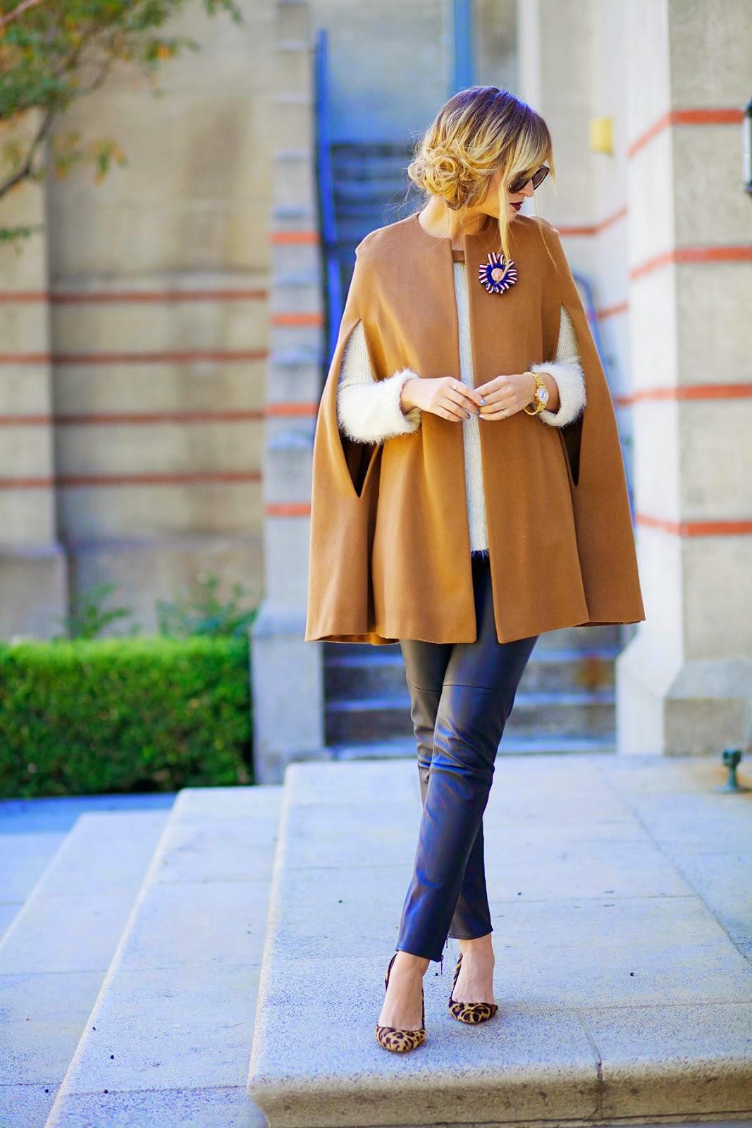 Женское пальто Кейп с брошкой