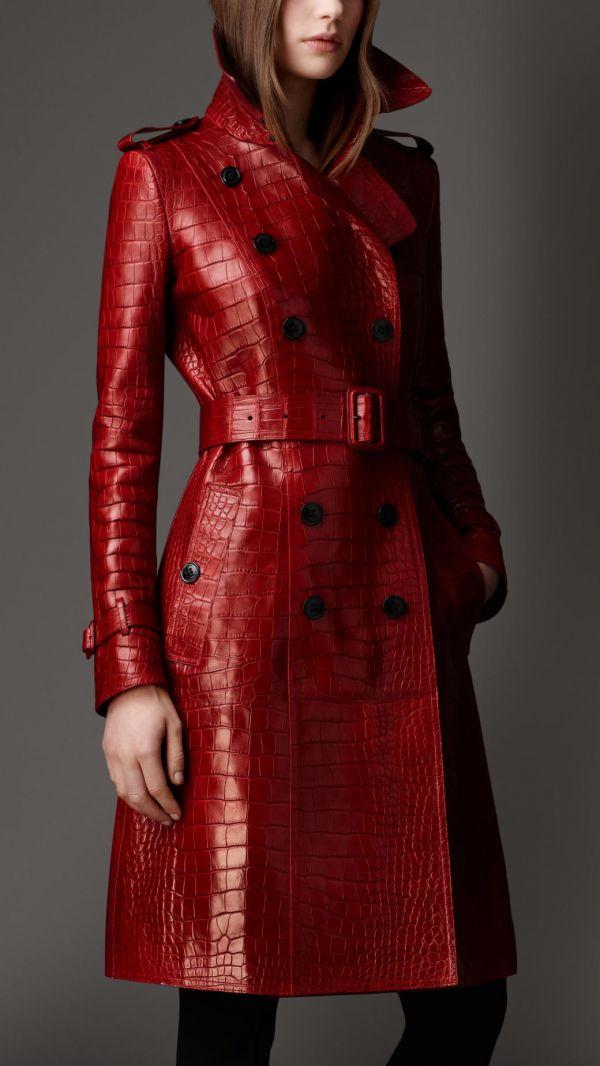 Кожаное пальто с поясом