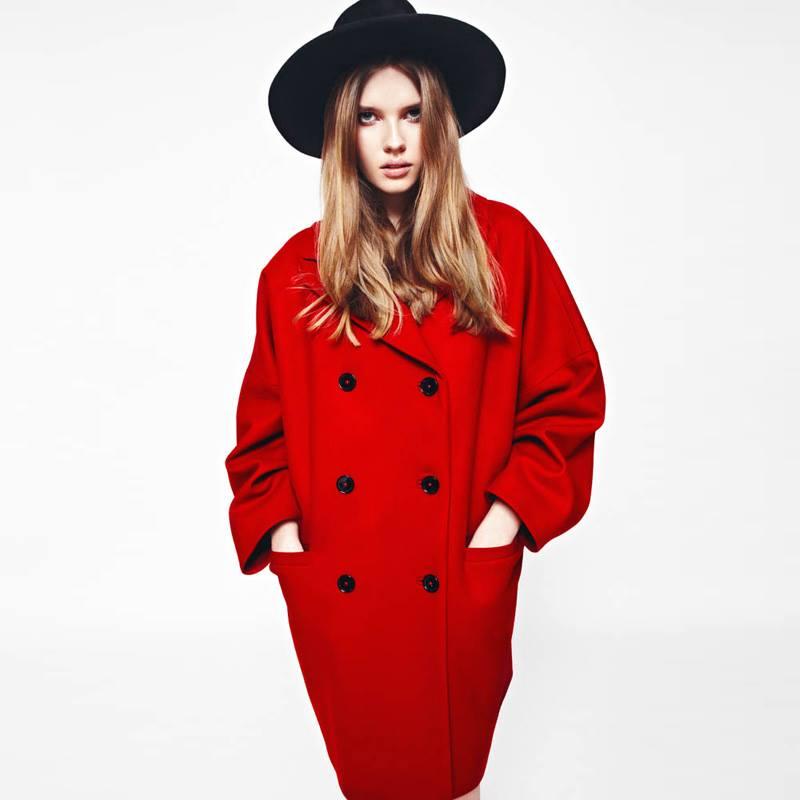 Пальто-кокон ярко-красное