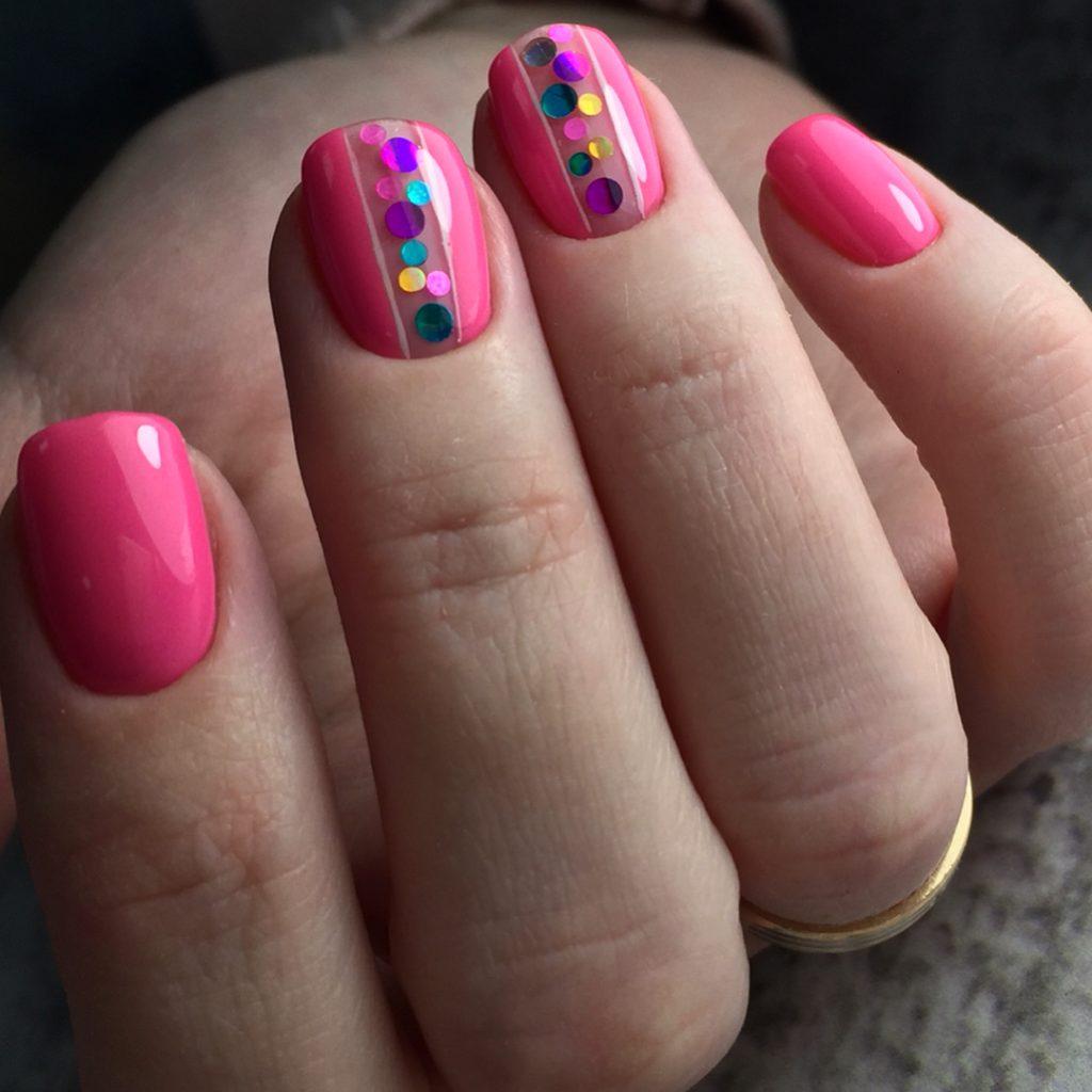 Дизайн ногтей с камифубиками фото с бордово розовом