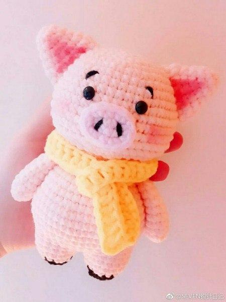 Вяжем символ 2019 года - 11 схем с описанием свинок ...